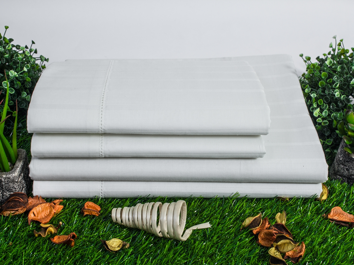 Sateen Crease Resistant White Organic Sheet Set